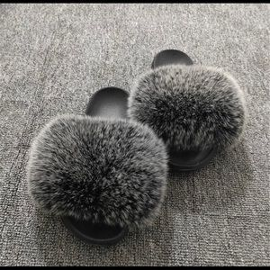 Shoes - Fur slippers